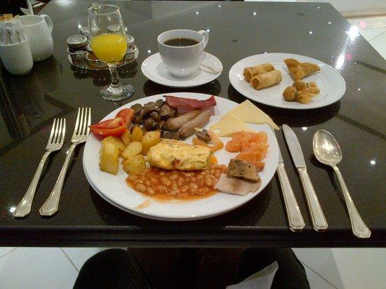 Fairmont Dubai: Good breakfast; good variety