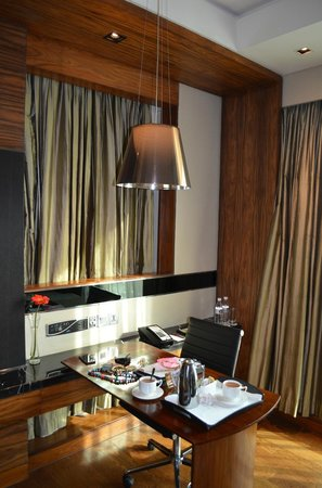Crowne Plaza New Delhi Rohini: Guest room