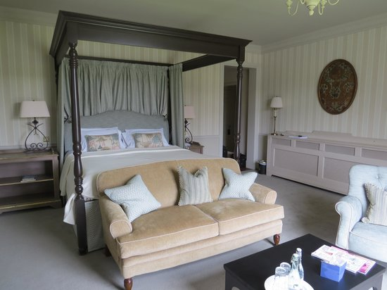 Ballynahinch Castle Hotel : luxury room