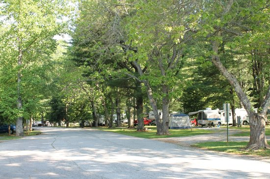 Moccasin Creek Park : Campground