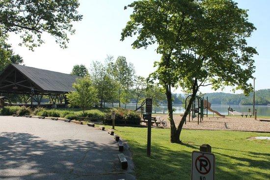 Moccasin Creek Park : Lake area