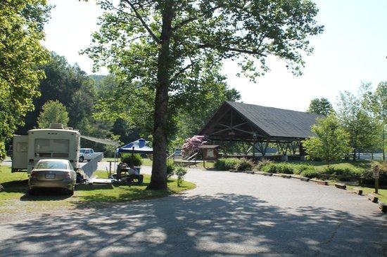 Moccasin Creek Park : Near lake