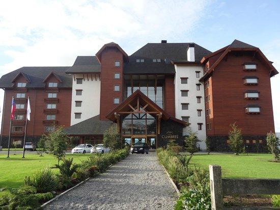 Hotel Cumbres Puerto Varas: Fachada do Hotel