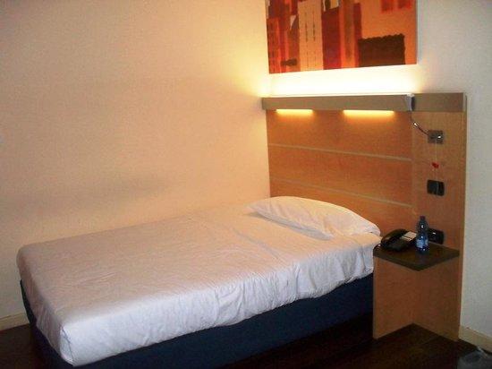 Idea Hotel Torino Mirafiori: letto singolo