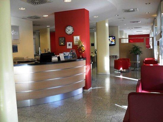 Idea Hotel Torino Mirafiori: reception