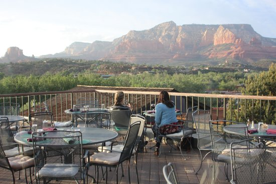 Shugrues Sedona Hillside Grill: View from the patio