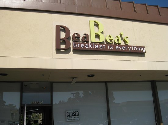 Bea Bea's: Exterior