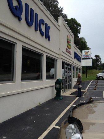 Quick Burger: Front
