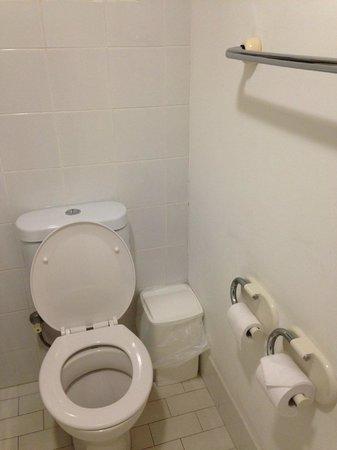 Best Western Ballina Island Motor Inn: toilet