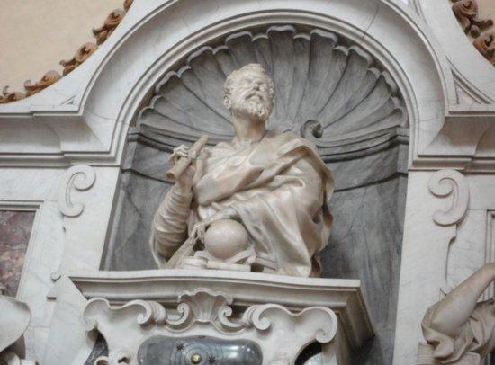 Basilica di Santa Croce: Tomb of Galileo, holding the Globe