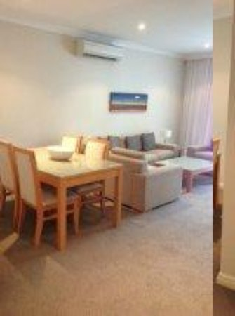 Mercure Kooindah Waters Central Coast: Dining/Lounge