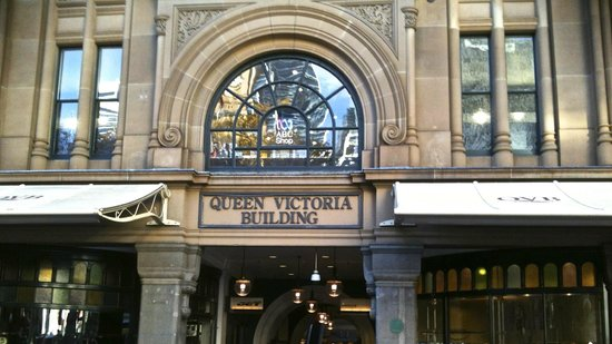 Queen Victoria Building (QVB) : The entrance to the building