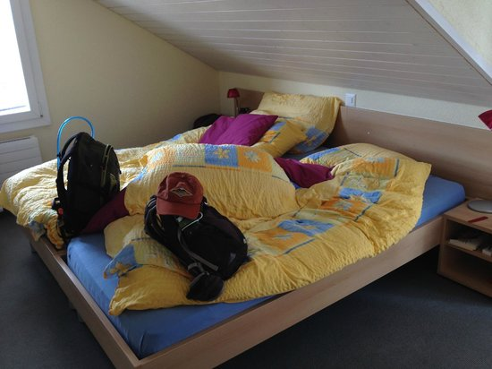 Eiger Guesthouse : Very comfortable beds - getting ready for another adventure