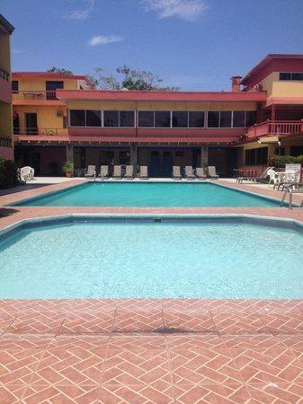 Hotel Yadran Beach Resort: Pool Area