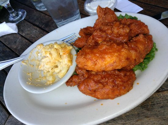 Tubby's Seafood: Buffalo Chicken, Mac and Cheese