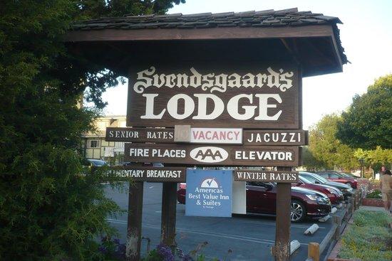 Svendsgaard's Lodge - Americas Best Value Inn : Motel sign
