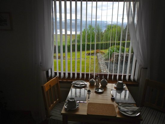 Mo-Dhachaidh B&B: view of Loch Ewe from dining room