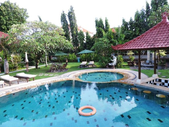 Sukun Bali Cottages: Nice and clean pool