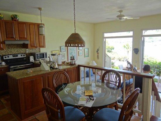 Gallows Point Resort: 12b kitchen