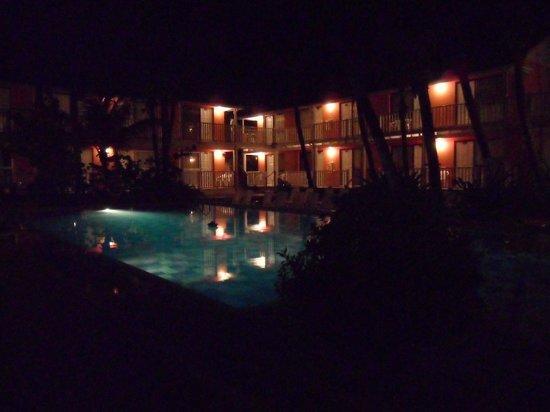 Decameron San Luis : asi veia la piscina desde mi cuarto