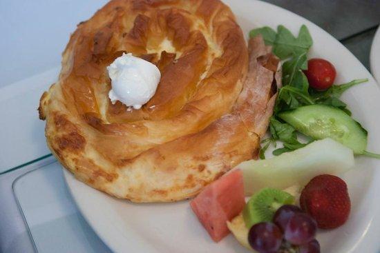 Drina Daisy Bosnian Restaurant: Tasty ethnic food