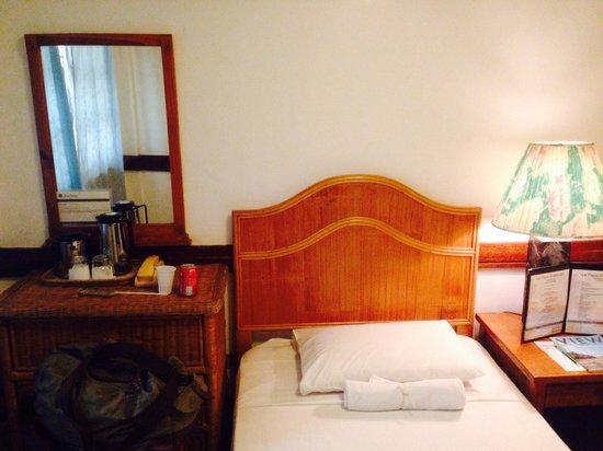 Corregidor Inn: Standard room