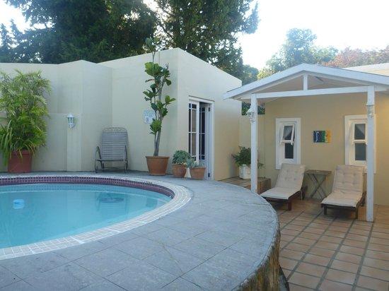 Braeside Guest House: pool