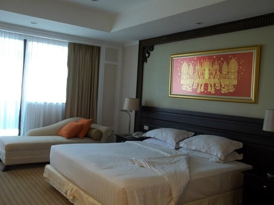 Centre Point Hotel Silom: bed room