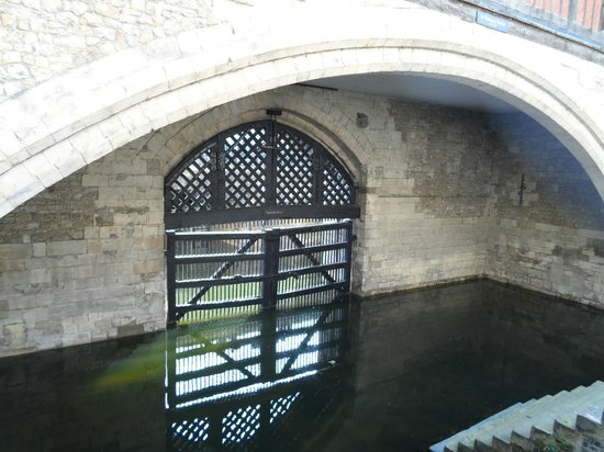 Inside Tower of London Pic 9 - Picture of Tower of London ...