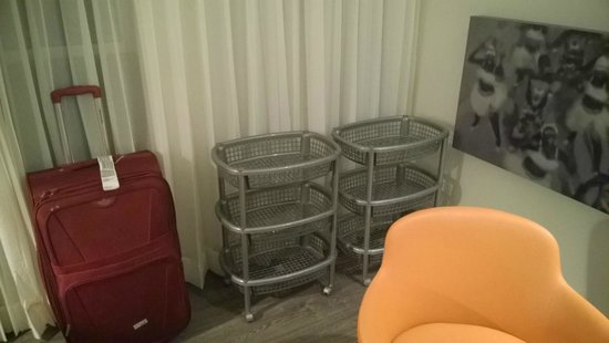 Hampton by Hilton Barranquilla : Well, Guess what - These are my wardrobe replacements given by so called HILTON HOTELS, LOL