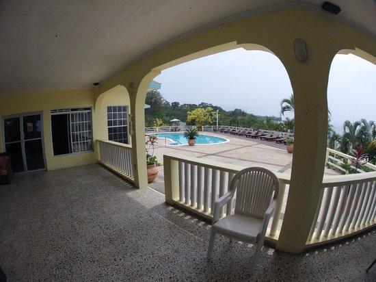 Turquoise Bay Dive & Beach Resort: Common area