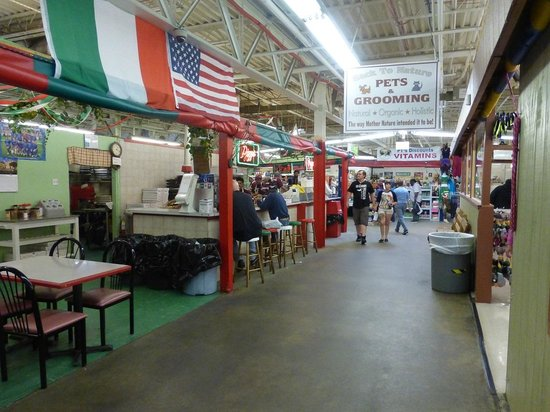 New Castle Farmer's Market: Inside the New Castle Farmers Market
