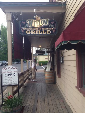 The Willow Steakhouse : The willow Grille in Jamestown.