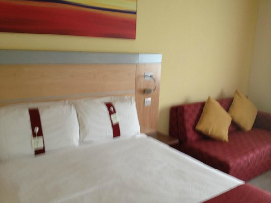 Holiday Inn Express Edinburgh - Royal Mile: base doble