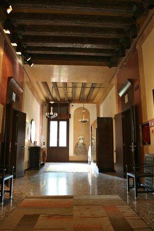 Ca' Pisani Hotel: Hotel hallway
