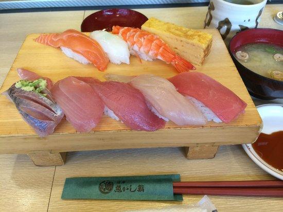 Sanco Inn Shizuoka-kitaguchi : 静岡駅に入っている「沼津魚がし鮨」ランチ¥1,009