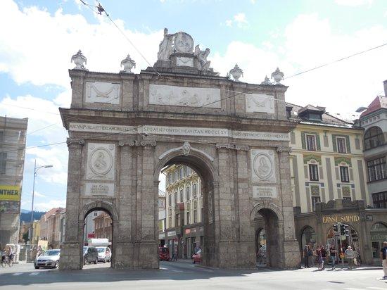 Triumphal Arch (Triumphpforte) : インスブルックの凱旋門