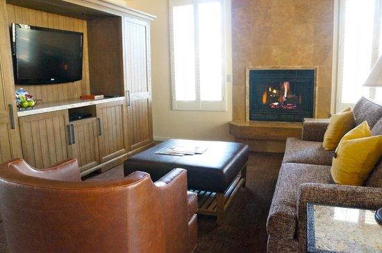 Carmel Valley Ranch: Huge living area
