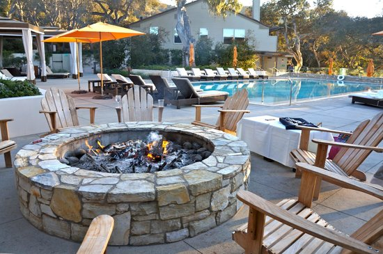 Carmel Valley Ranch : Main pool and fire pit (with s'mores ingredients)