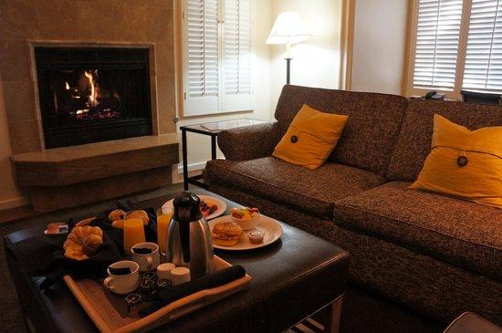 Carmel Valley Ranch: In-room breakfast