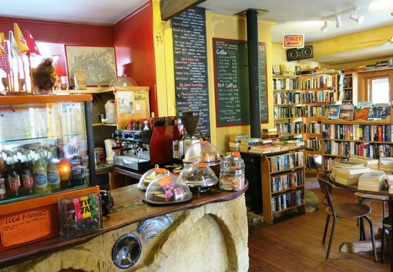 Driving Creek Cafe: Inside the Cafe