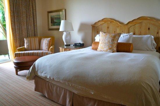 Terranea Resort : King size bed