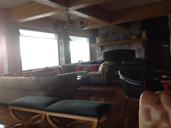 Cacique Inacayal Lake & Spa Hotel: Espaço comum