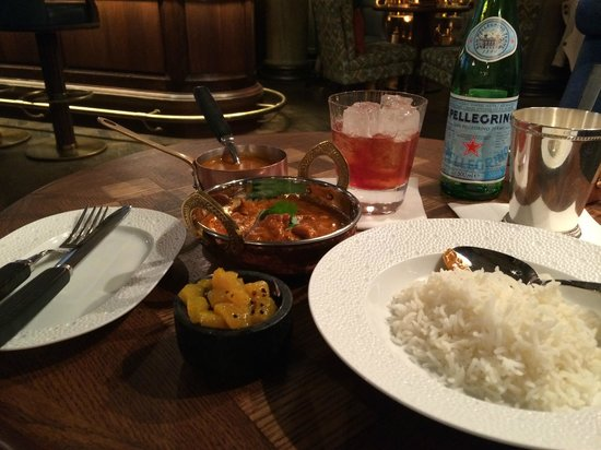 Rosewood London: Curry at the hotel's bar