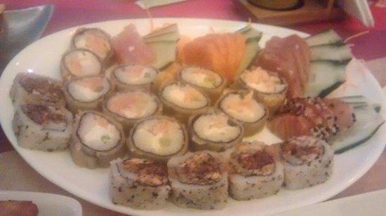 Wasabi Sushi: Makinomos, sashimi e sushi!
