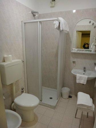 Universo Nord Hotel : clean bathroom