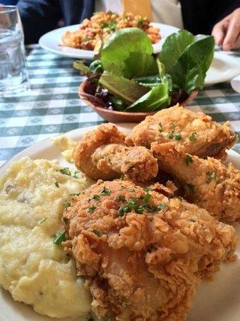 Hattie's : Their famous fried chicken
