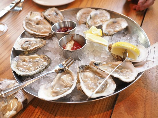 Hank's Oyster Bar : Oysters from Virginia