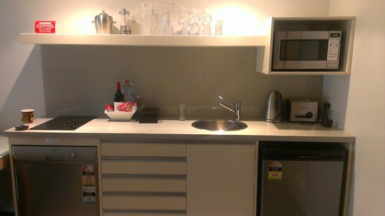 Mantra Pandanas: kitchen