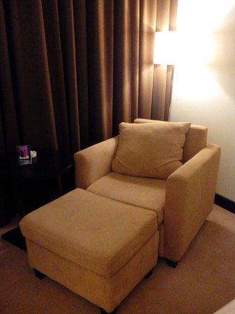 Horison Ultima King's Batam : the room with lazy sofa
